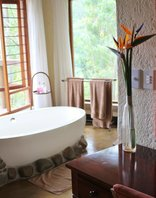 Tanamera Lodge - Honeymoon Chalet Bathroom