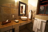 VillaChad Guesthouse - Bathrooms