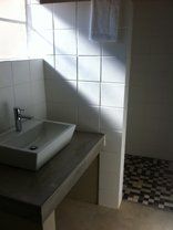 Saronsberg Vineyard Cottage - en-suite bathrooms