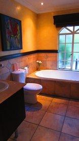Pheasant Hill B&B - Executive Bathroom