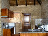 Kwamahla Conference Centre and Game Lodge - Kitchen in Chalet