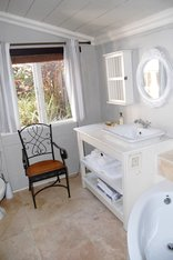 Petite Provence - Cottage's Bathroom