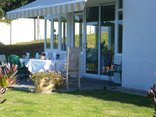 Hermanus Beach Villa - Breakfast in the Garden
