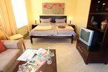 Constantia Cottages - Junior-Suite Pinotage - Lounge and Bedroom