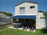 Constantia Cottages - Cottage Cabernet - Terrace under Awning