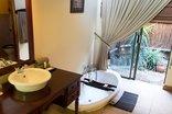 Mpongo Private Game Reserve - En-suite Bathroom
