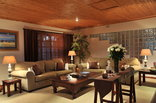 Chestnut Country Lodge - Lounge Area