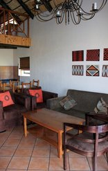 Lekoa Lodge - Double Chalet Living Area