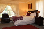 Phokeng Gardens Bed and Breakfast - Spaceous room
