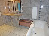 Constantia Manor Guest House and Conference Centre - Bathroom