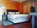 Pine Tree Lodge - Yellowood bedroom