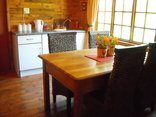 Pine Tree Lodge - Cedarwood and Rosewood kitchen