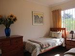 Pine Tree Lodge - Acacia twin bedroom