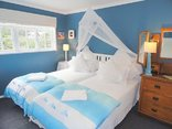 Eastbury  Cottage Self Catering and B&B - Loft bedroom with twins or king beds