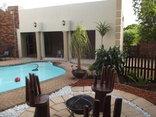 Ledimor Guest House - Swimming pool area