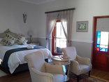 Montagu Vines - Luxury Queen Bed Garden Room