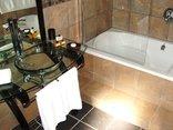24 On Vrey Boutique Hotel - Bathroom