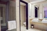 Premier Hotel O.R. Tambo - En-suite Bathroom
