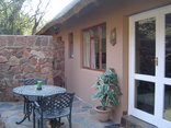 Sunbird Self catering unit - Braai area