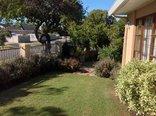 Ringwood Villa - Front garden