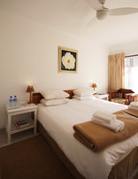 Nothando Backpackers Lodge - Twin en-suite
