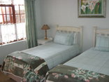 Green Pastures Bed & Breakfast - Green Room
