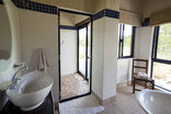 Baobab Ridge Greater Kruger - Standard luxury cottage- bathroom