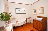 Oakdene Guest House - Bathroom family room