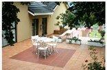 Graceland Guesthouse - Cottage patio