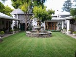 Hunters Lodge Ladysmith - Courtyard