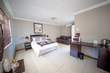 Kleinplasie Guesthouse and Selfcatering - Kleinplasie Guesthouse Double Rooms