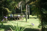 Nabana Lodge - Large gardens