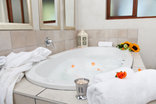 Montpellier Guest House - honeymoon suite bath