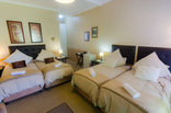 Calderwood Hall Guest House - Family Garden Suite