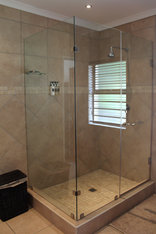 Blue Hills Lodge - Wattle Single Room shower