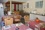 Windermere / Quinns Holiday Home - breakfast area insite