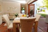 Constantia Garden suites - Lounge Dining Area