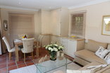 Constantia Garden suites - Dining Kitchenette Area