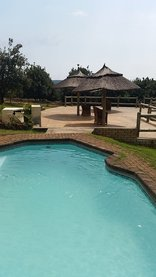 Mulberry Lane Suites & Tsanana Log Cabins - The swimming pool