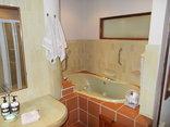 The Rest Zebra Lodge - Nelspruit - Bush Buck Suite - Jet Bath
