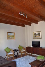 Cedar Cottages Paarl - Cottage 2 Living/TV area
