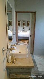Springwater Cottages  - Shebang Bathroom