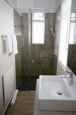 Safari Guesthouse - Bathroom Malawi