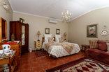 Avondrust Guest House - Graaff Reinet - Rose room