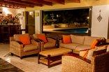 26 On Chamberlain Guest House - Bar & Entertainment