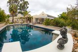Somerset Villa Guesthouse - Outside Pool