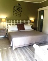 Cathkin Cottage - Room 1 King Deluxe