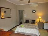 Milton's Guesthouse - Guest Room 3