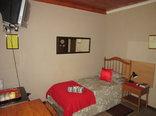 Milton's Guesthouse - Guest Room 5