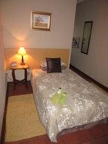 Milton's Guesthouse - Guest Room 9